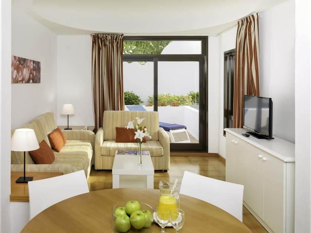 üdülés, Lanzarote, Costa Teguise, H10 Suites Lanzarote Gardens, 19