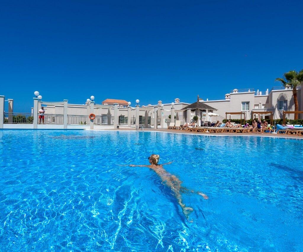LOS OLIVOS BEACH RESORT — Tenerife